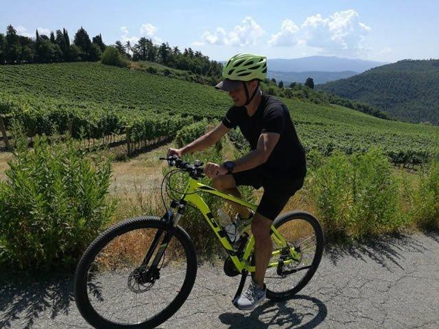 https://www.in-chianti.it/wp-content/uploads/2020/05/sunset-bike-tour-near-florence-768x576-2.jpg